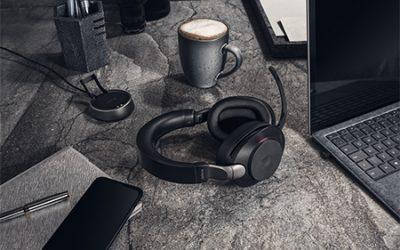 Ein Blick auf die Jabra Evolve2 Headsets
